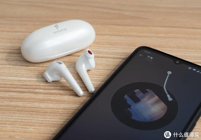 对抗AirPods?!1MORE ComfoBuds 舒适豆半入耳式耳机