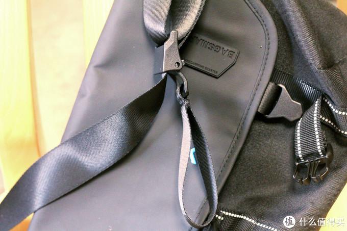 个性出行背啥包?bagsmart潮流斜挎单肩防泼水邮差包评测。