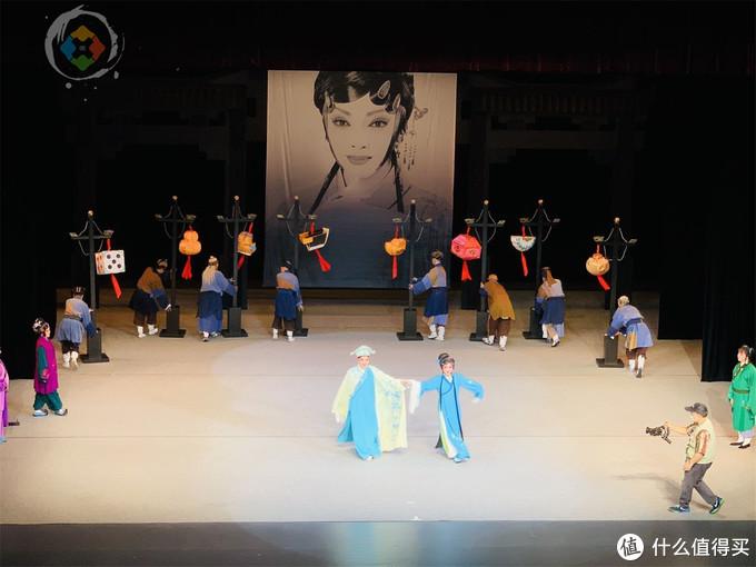 """中国传统戏曲是""""濒危物种""""?重庆川剧砥砺前行,票价越来越便宜"""