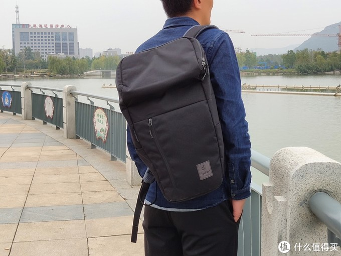 外观时尚,背带舒适-deuter多特UP进口大容量通勤电脑包