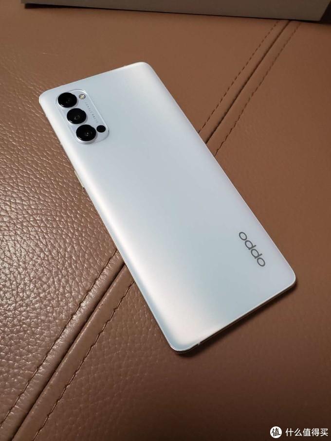摸完MATE40PRO和iPhone12,可以评选自己的2020年度手机了