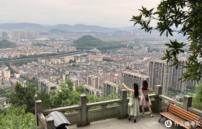 陶朱山俯瞰诸暨市区