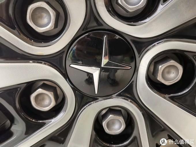 探秘极星2,一款孕育自油车的电动车