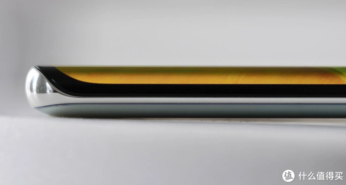 华为Mate40 Pro遇上iPhone 12 Pro,来看拆解对比