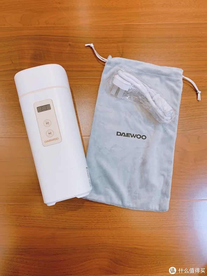 随包装附送了一个绒布袋。平时不用的时候,就可以放在里面收纳!