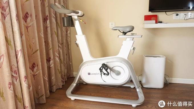 """宅家锻炼堪比健身房 ,一对一""""私教"""",Keep 智能动感单车体验"""