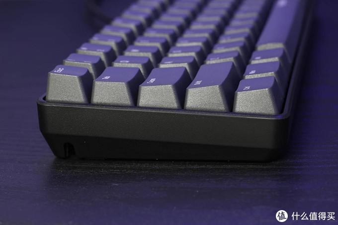 Cherry轴加持,短小精悍的雷柏V860-61键机械键盘