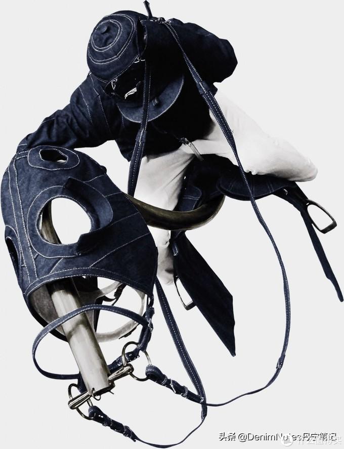 解构重塑的丹宁赛马骑师,构造复杂精妙。