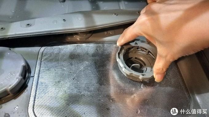 面壁反思:  用了两年半的洗碗机第一次清理三层滤网……