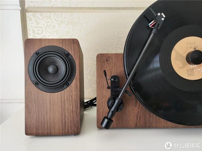 快时代里的空灵好音质,梵尼诗MORE Ⅱ立式分体黑胶唱机体验