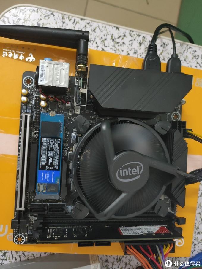 可能是最具性价比的10代ITX主板(IS40X对比10700原装散热器)