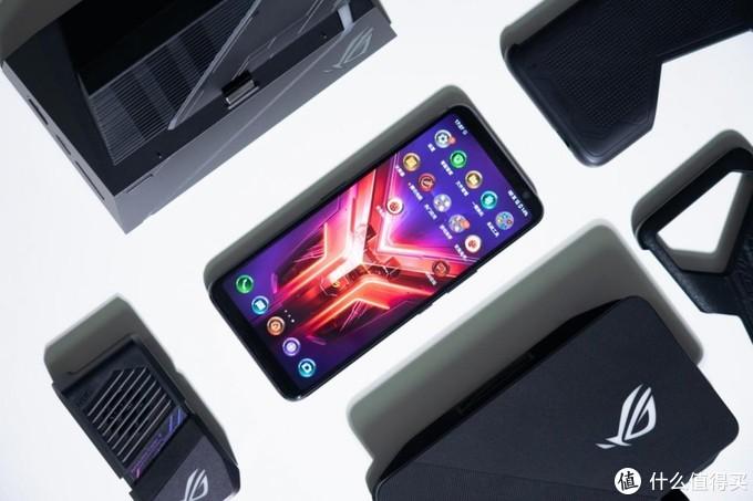 手机屏幕并不是手机游戏的边界,ROG游戏手机3电竞装甲套装体验