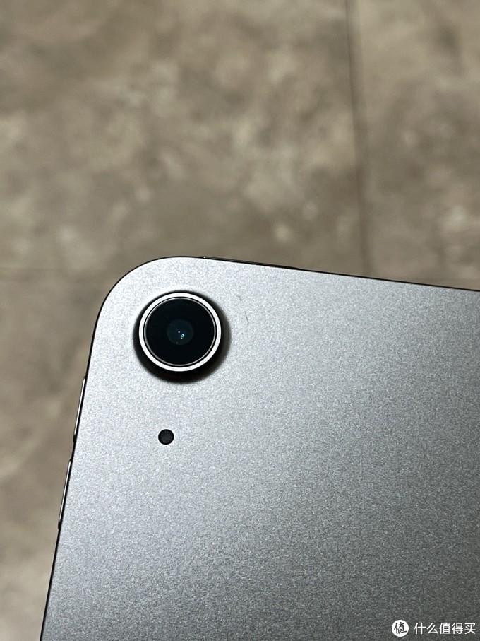 孤独的摄像头(下面的小孔是不是麦克风??)
