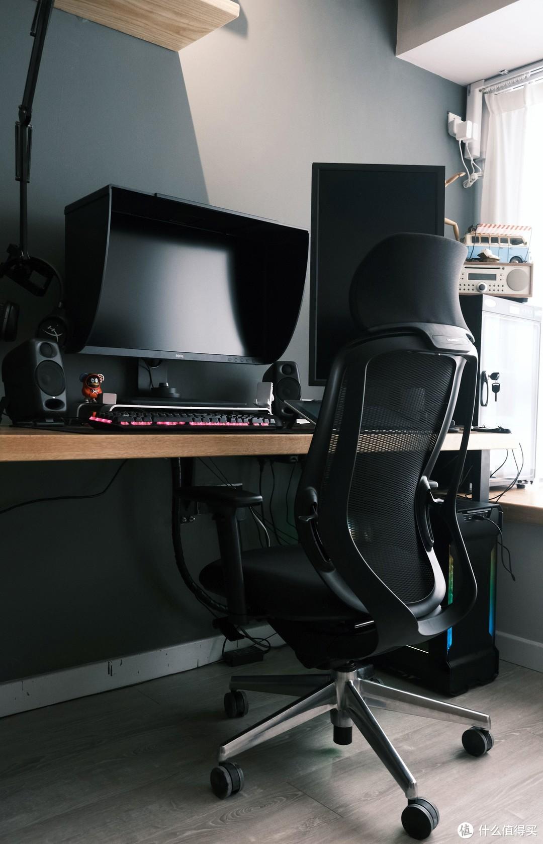 極度舒適—3米長的實木電腦桌打造及好物分享