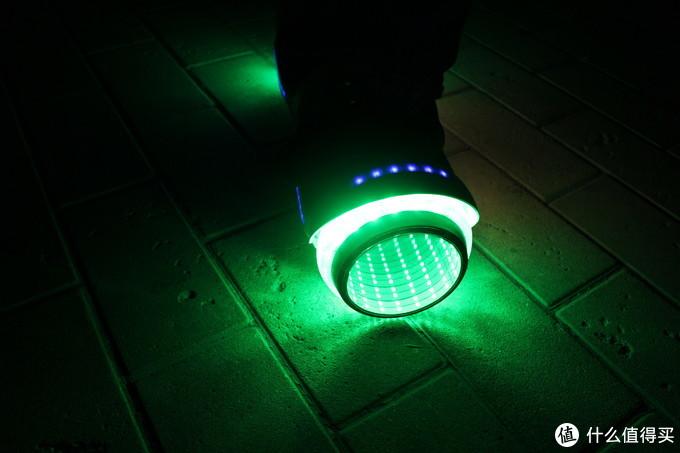 360平衡车V1Pro——360度灯效让你的小孩成为最亮的仔