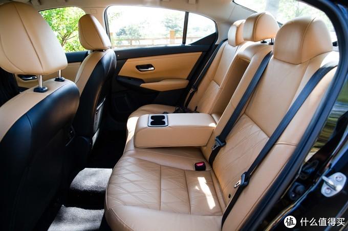 10万级家用车 谁坐着最爽?买车送沙发的日产轩逸 到底值不值