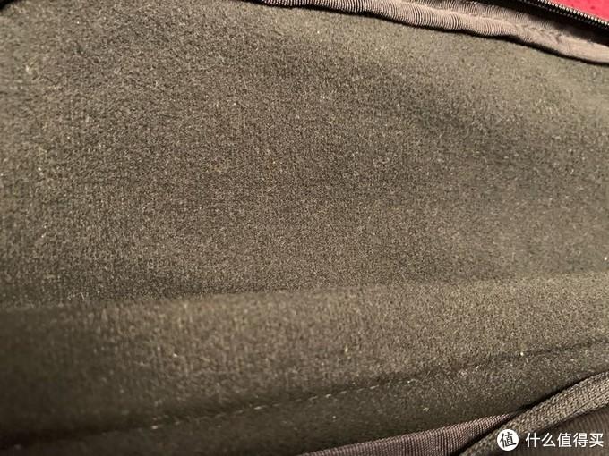 内衬材料使用绒布