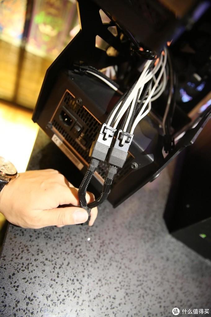 先要做的就是把供电插好了,RTX3080实话实说工号不低