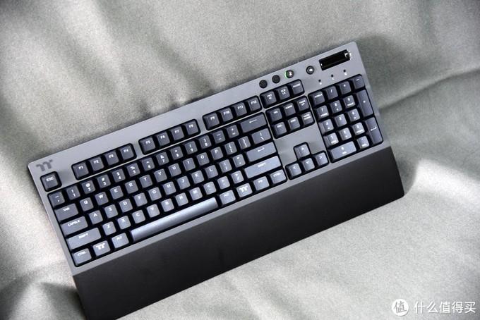 没有RGB,回归本真,无拘无束的TT G521机械键盘才是真正的自在