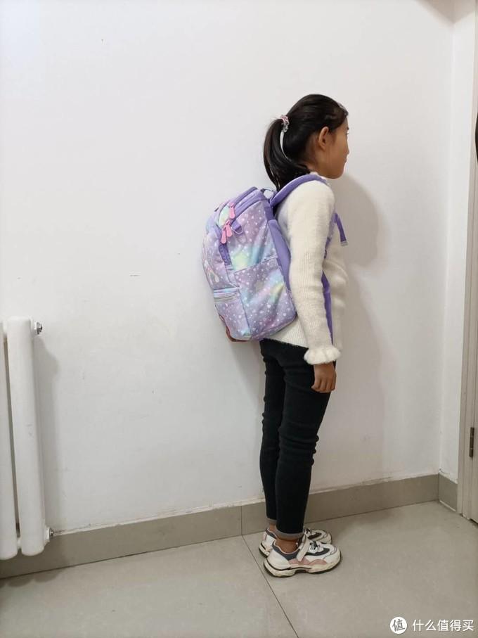 学习负担太重?先从给肩膀减负开始!GMT for Kids轻一代护脊书包体验