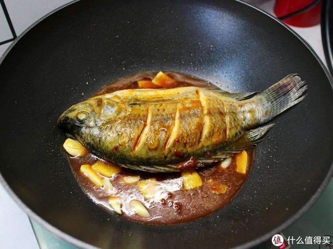 最适合老人孩子吃的鱼,刺少肉多,营养全面,不腥还特别入味