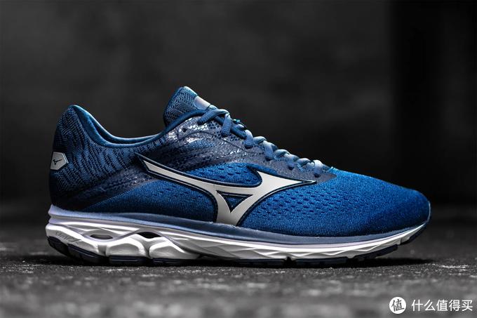 材料缓震VS机械缓震,谁才是未来跑鞋的发展趋势?