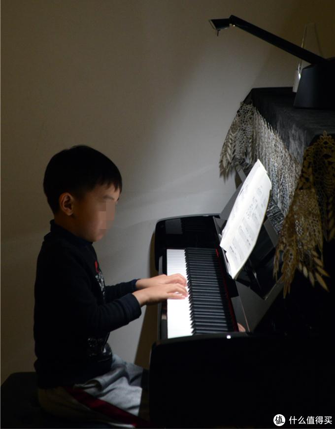 钢琴灯从入门到搞定,全方位教你钢琴护眼灯如何挑选