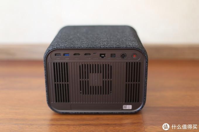 慧示首款真4K投影仪J1正式上市销售 双11预售到手价6999元
