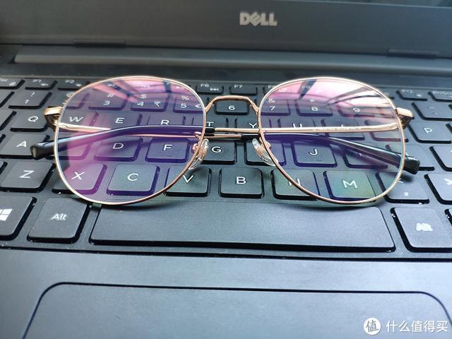 保护眼睛、还能文质彬彬—米家防蓝光眼镜钛轻盈版