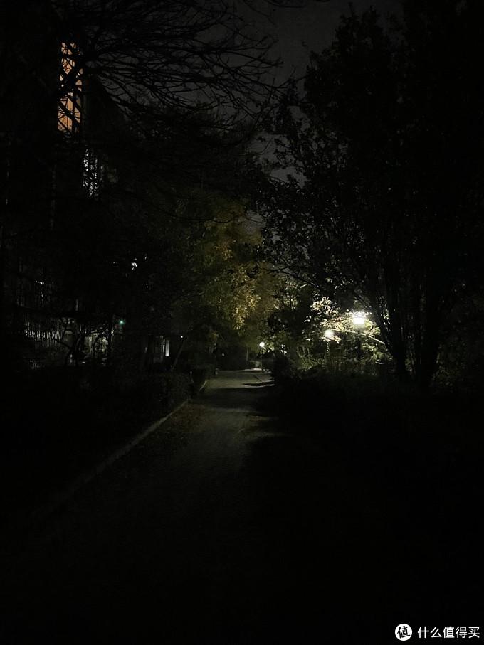 关闭夜景,和肉眼观察一致