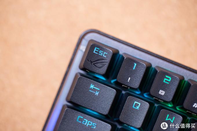 紧凑型无线机械键盘的信仰:华硕ROG 魔导士机械键盘测评
