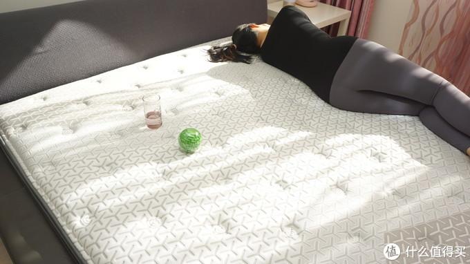 让刚满百天的小宝宝安心舒睡的秘密在这里,喜临门·多瑙河pro床垫测评