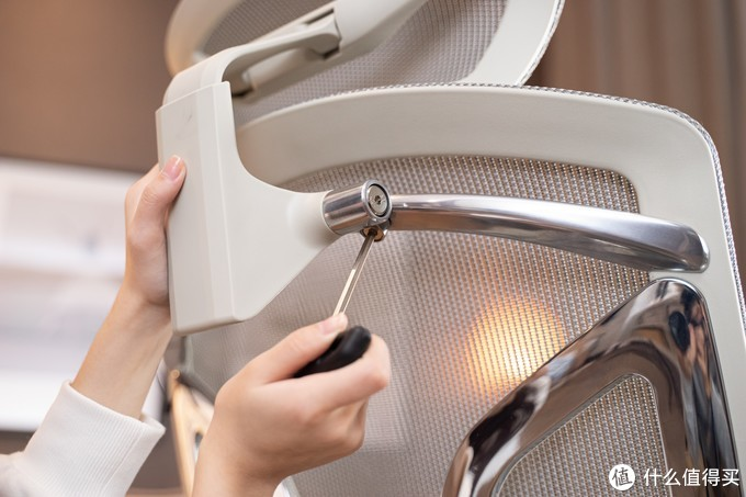 为女朋友打造更舒适的工作环境,Ergoup有谱蝴蝶人体工学椅使用体验