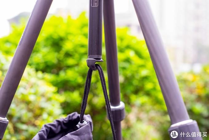 """以""""稳""""为本,以""""轻""""为魂,来自意大利的便携碳纤维三脚架MKELMII4CFM-BH"""