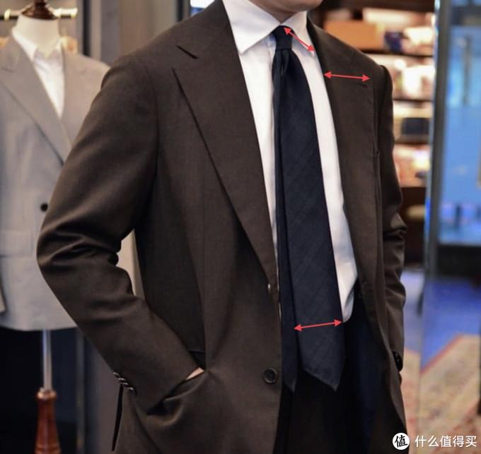 平时穿的随意就罢了,年会在领导面前可得穿的讲究,整套商务穿搭方案分享给你!