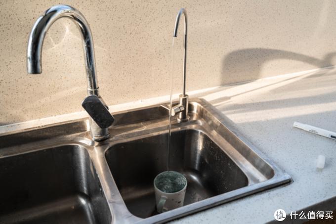 喝水不墨迹,网易严选厨下净水器使用体验,集成度很高