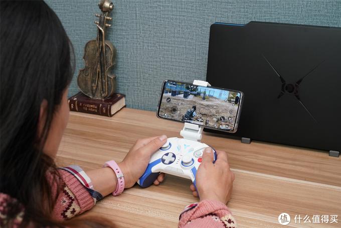 化身高达驰骋战场,飞智八爪鱼2高达版多模无线游戏手柄评测