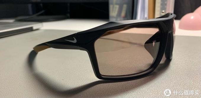 准备迎接冬天强烈紫外线:Ashford购入NIKE运动墨镜