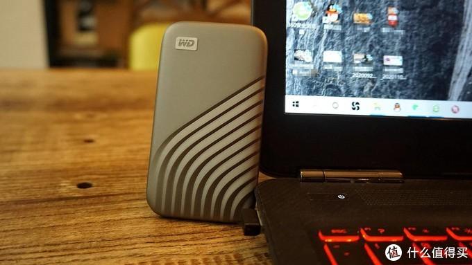 更小更高速,科幻酷炫,My Passport随行SSD版固态移动硬盘体验评测