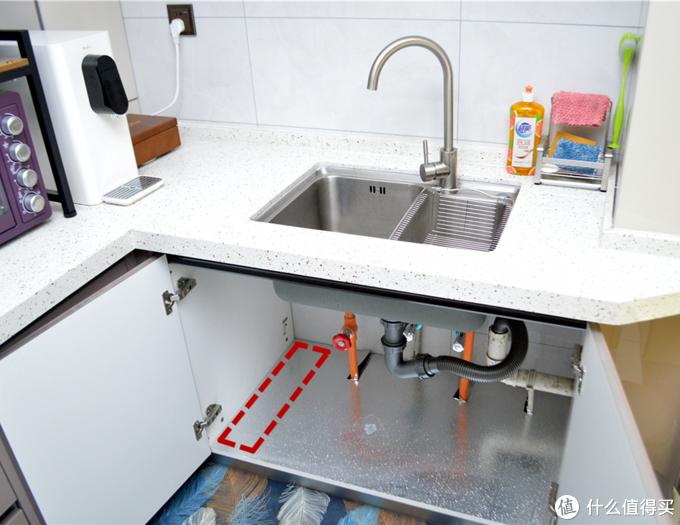 小身材、大水量、3年长效滤芯,它满足了对净水器的全部需求——A.O.史密斯净水器1600SE体验