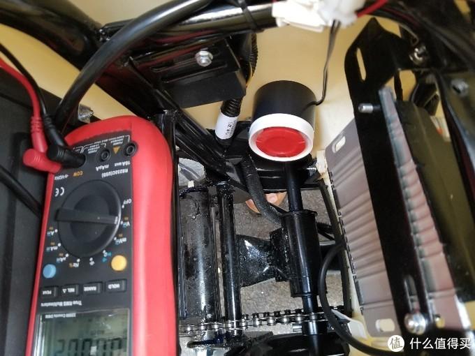 把定位器的蜂鸣器安装好