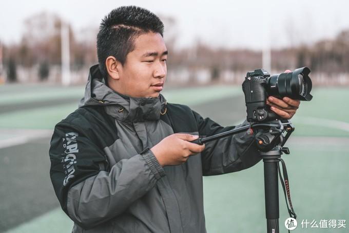 低成本电影感的拍摄方案(自制摇臂)