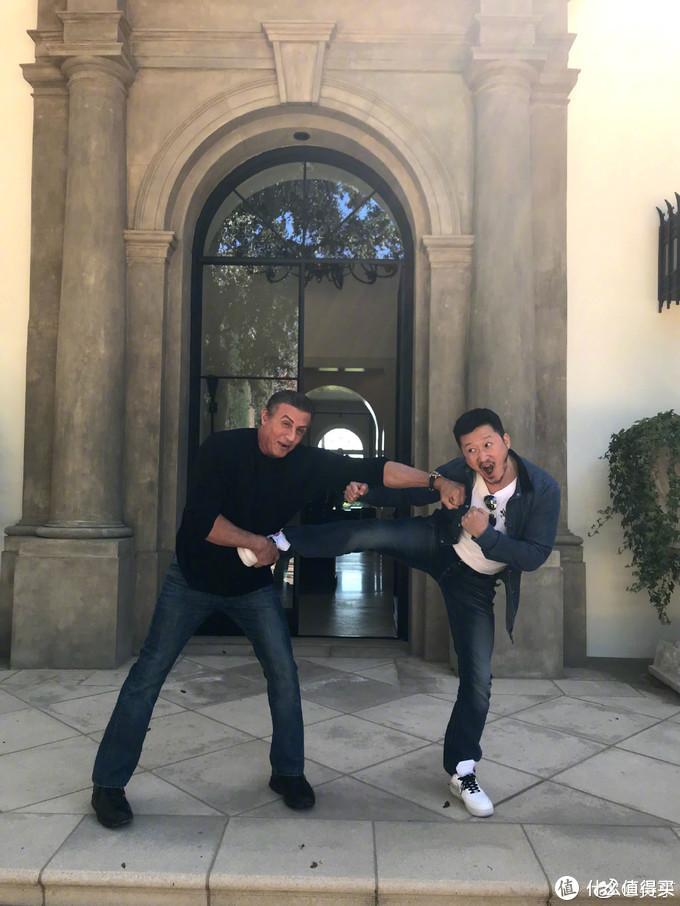 克里斯·帕拉特搭上吴京出演动作喜剧,翻拍自越南电影《西贡保镖》,罗素兄弟担任制片