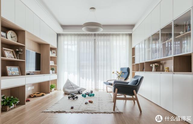 """客厅不买沙发,舍弃了""""会客功能"""",返璞归真的家,住起来太爽了"""