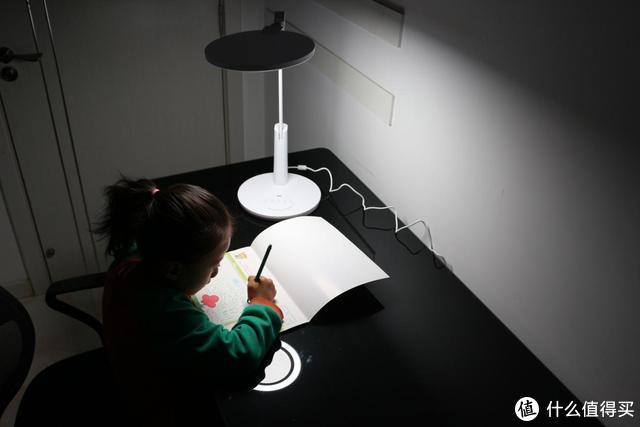 孩子护眼台灯推荐:华为智控孩视宝智能台灯,环面双光柔和不伤眼