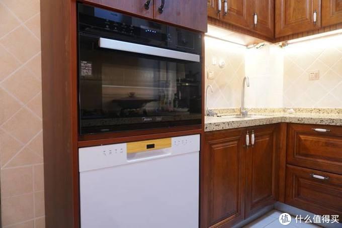 厨房必不可少的电器之一,蒸烤式一体机