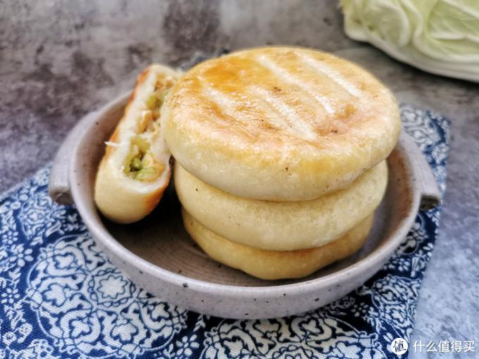天冷做馅儿饼,白菜和豆腐是最佳搭档,不放肉也好吃,比韭菜的香