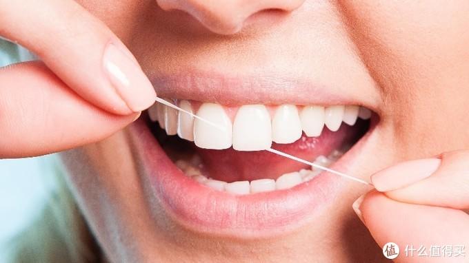 有了电动牙刷还要买便携冲牙器吗?洁碧、飞利浦、Oclean怎么选?
