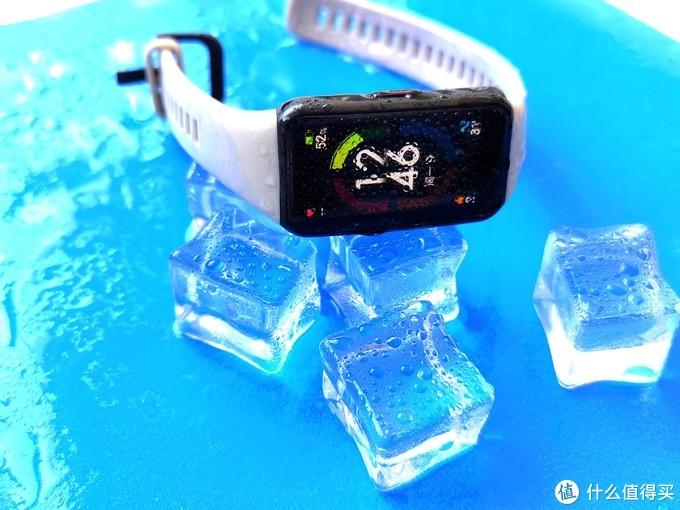 荣耀手环6上手评测:不吹不黑,颜值与功能并存的全面屏手环