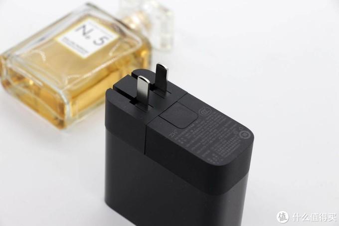 轻松拆卸可更换,出国充电不挠头:紫米65W国际旅行充电器评测